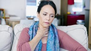 أعراض احتقان الحلق وتشخيصه وعلاجه