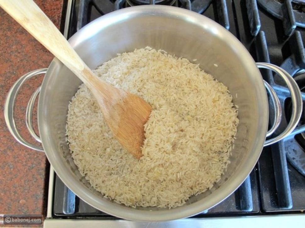 طريقة عمل الأرز بالزعفران بوصفات مختلفة