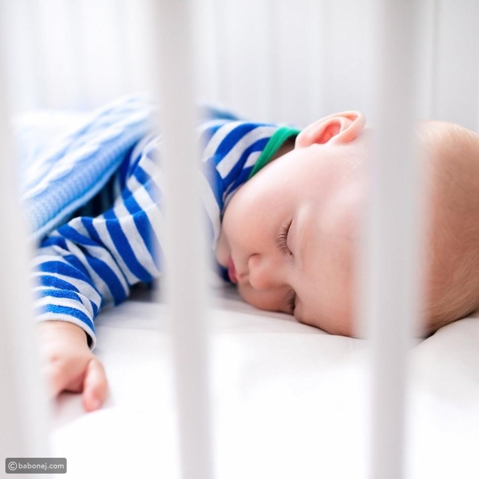 أفضل الوضعيات لنوم الرضع