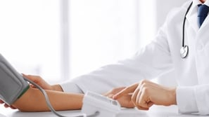 أسباب وأعراض ارتفاع الضغط وطرق علاجه