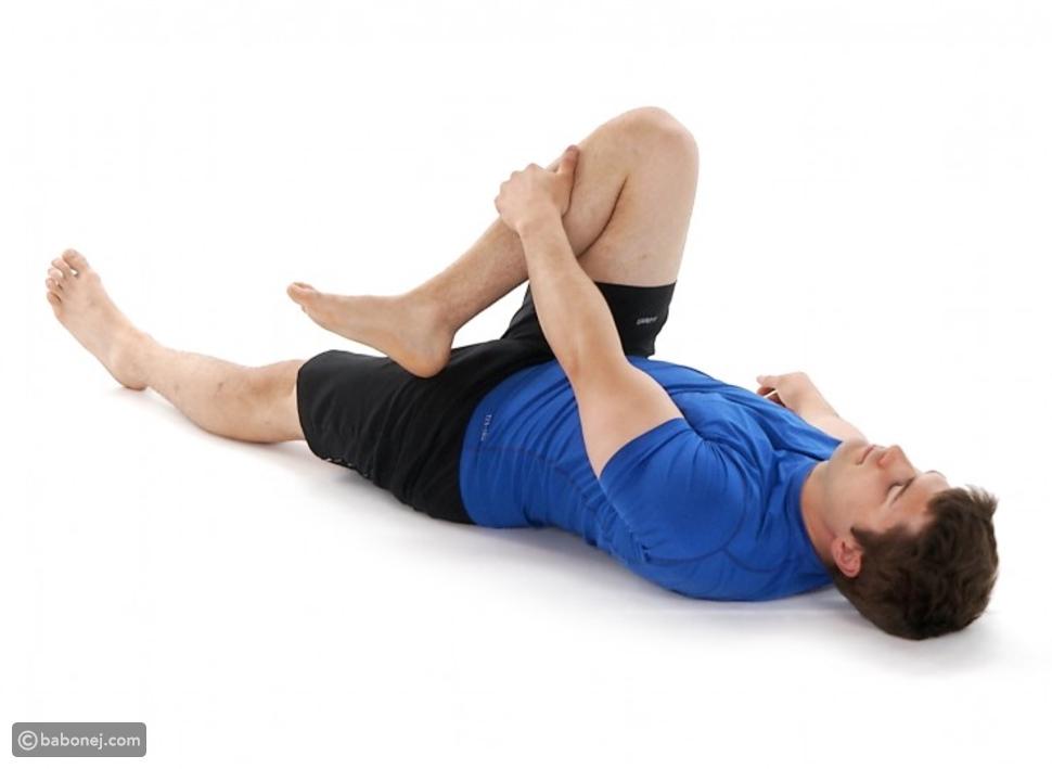 وضعية الركبة باتجاه الكتف المعاكس