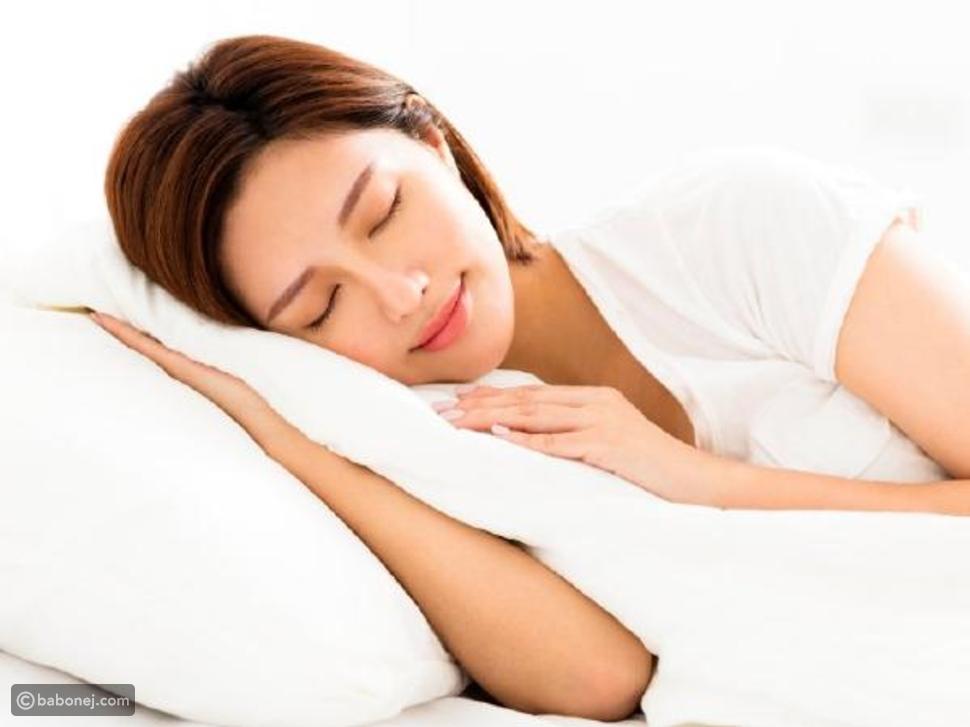وضعية النوم على الجانب