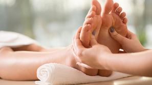 تدليك القدم العلاجي فوائده وطرقه