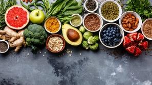 10 أطعمة تحارب الاكتئاب