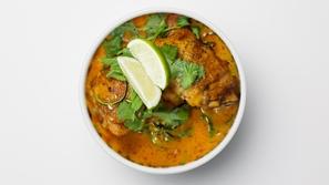وصفة كيتو: دجاج وجوز الهند بالكاري