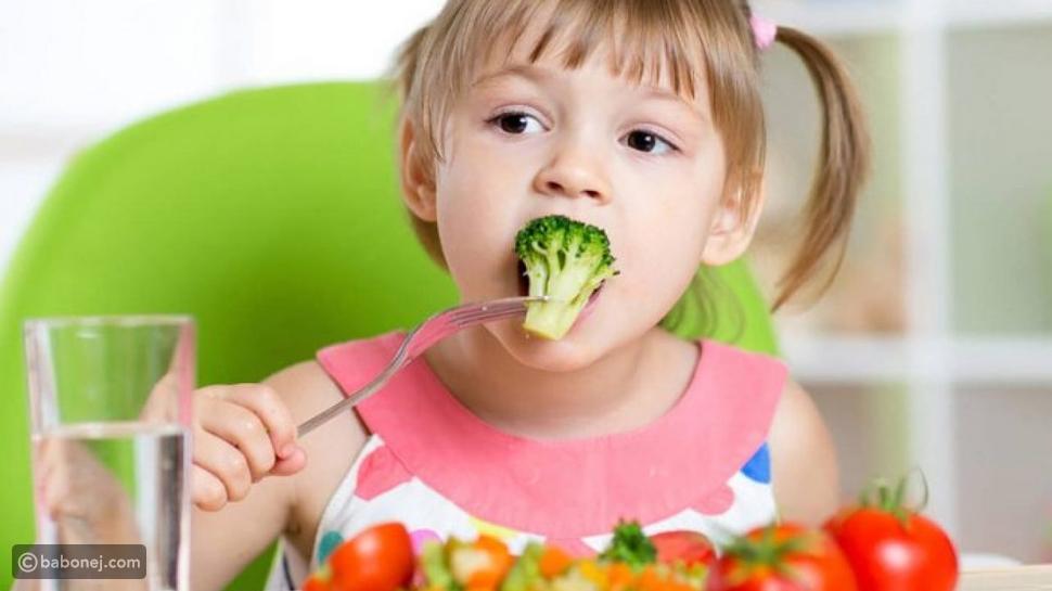 من الضروري أنت تهتمي كأم بتغذية اطفالكِ وطرق تعزيز مناعتهم لحمايتهم من العدوى